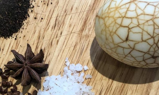 Chinese Tea-Stained Smoked Eggs